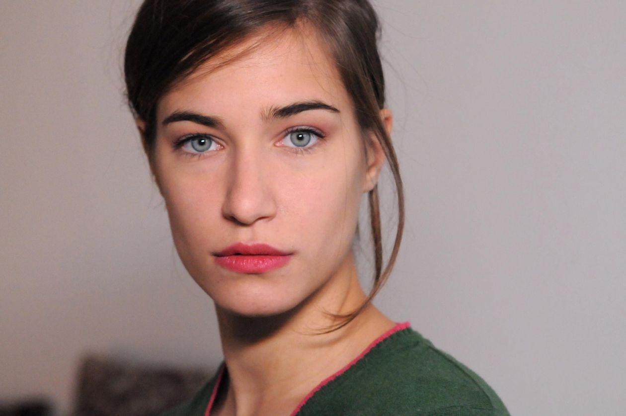 Charlotte Van Bervesseles actress actrice comédienne