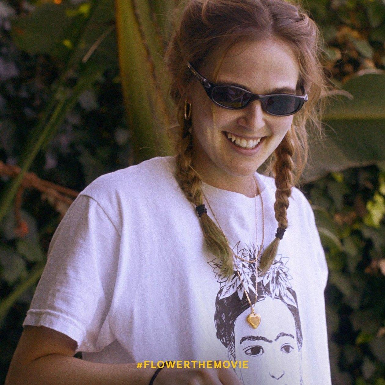 Zoey Deutch actress | Flower / Erica Vandross / Max Winkler 2017 Teaser Movie Poster Affichette film