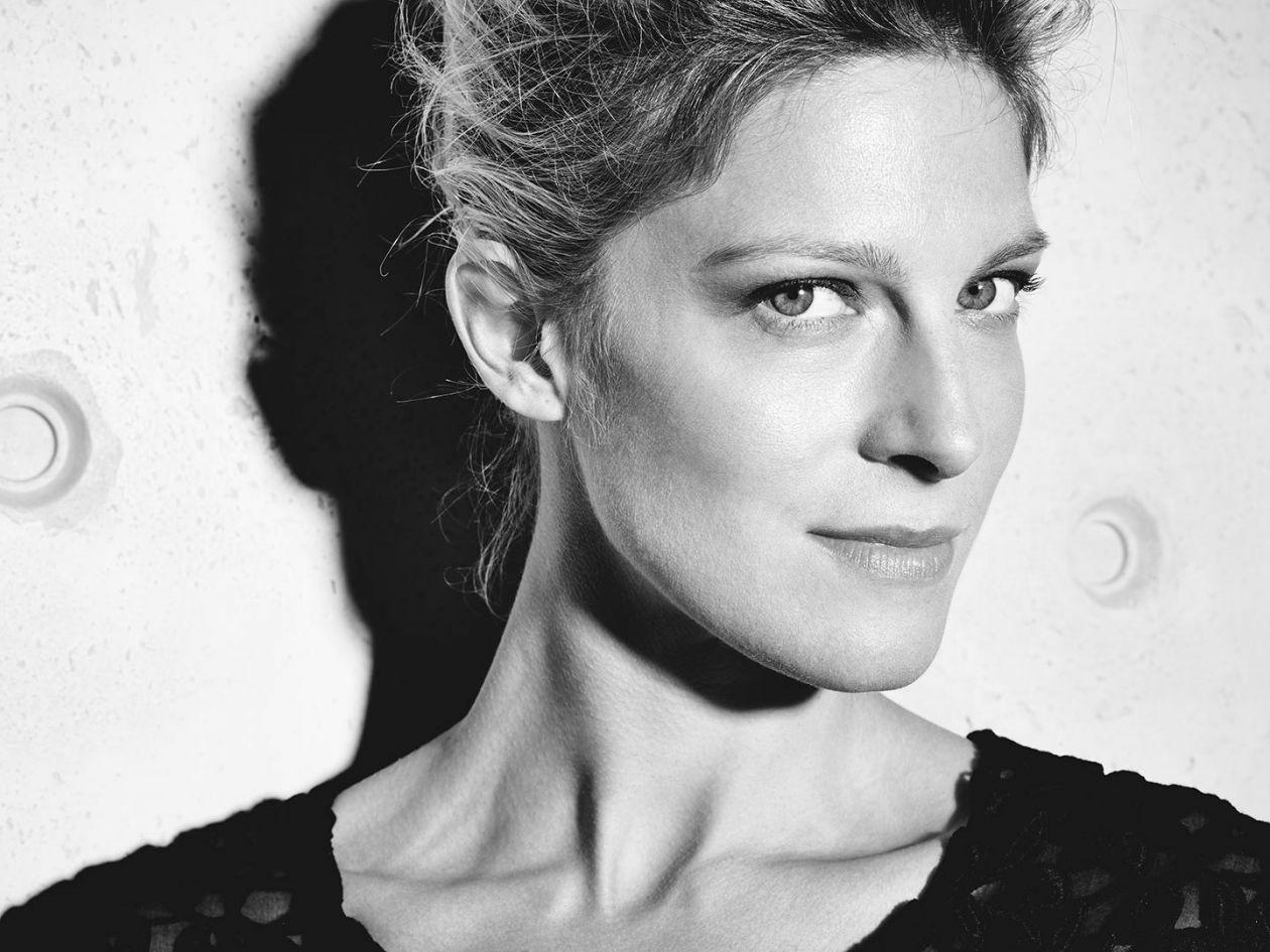ALEXIA BARLIER actress / Photo Arno Lam