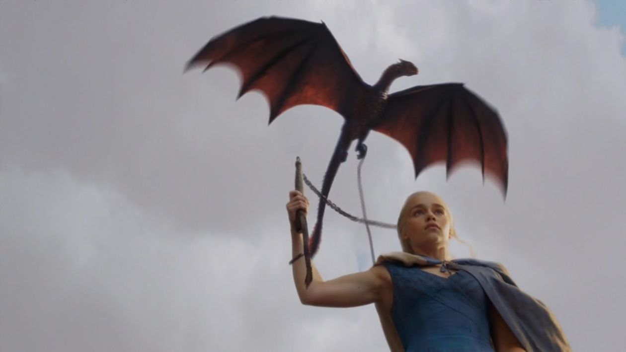 Emilia Clarke actress | Queen Daenerys Targaryen / Game of Thrones SEASON 3 2013