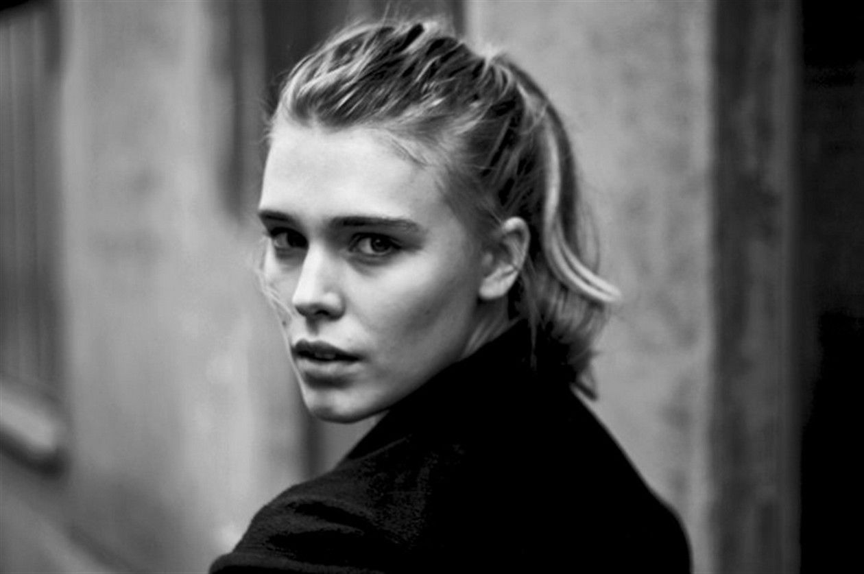 Gaia Weiss actress