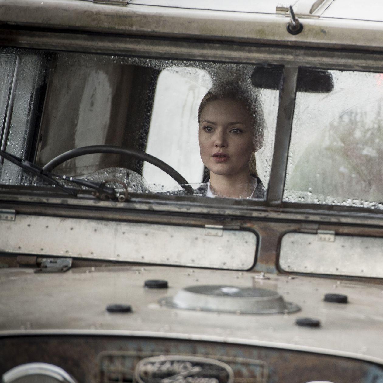 Holliday Grainger actress / Robin Ellacott / C.B. Strike