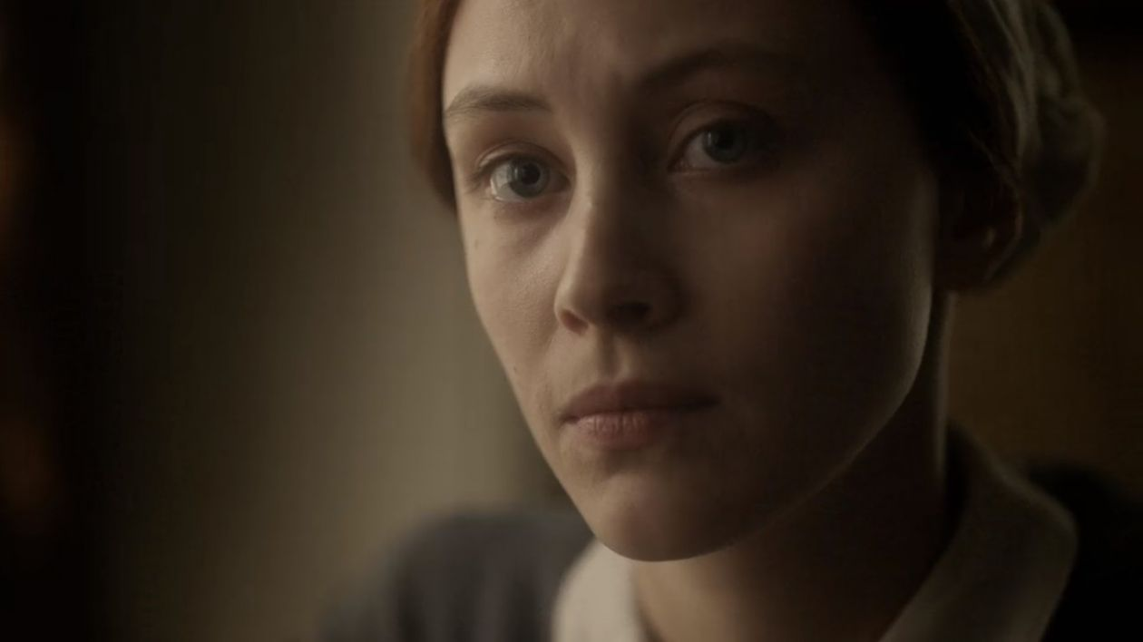 Stephen King / Twitter : Sarah Gadon is amazing in ALIAS GRACE (Netflix). There is a calculating emptiness in her gaze that says, I am who you think I am. Or perhaps I am not