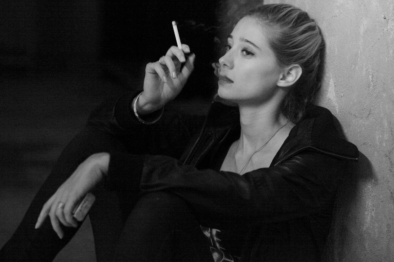 Zoé Schellenberg actress