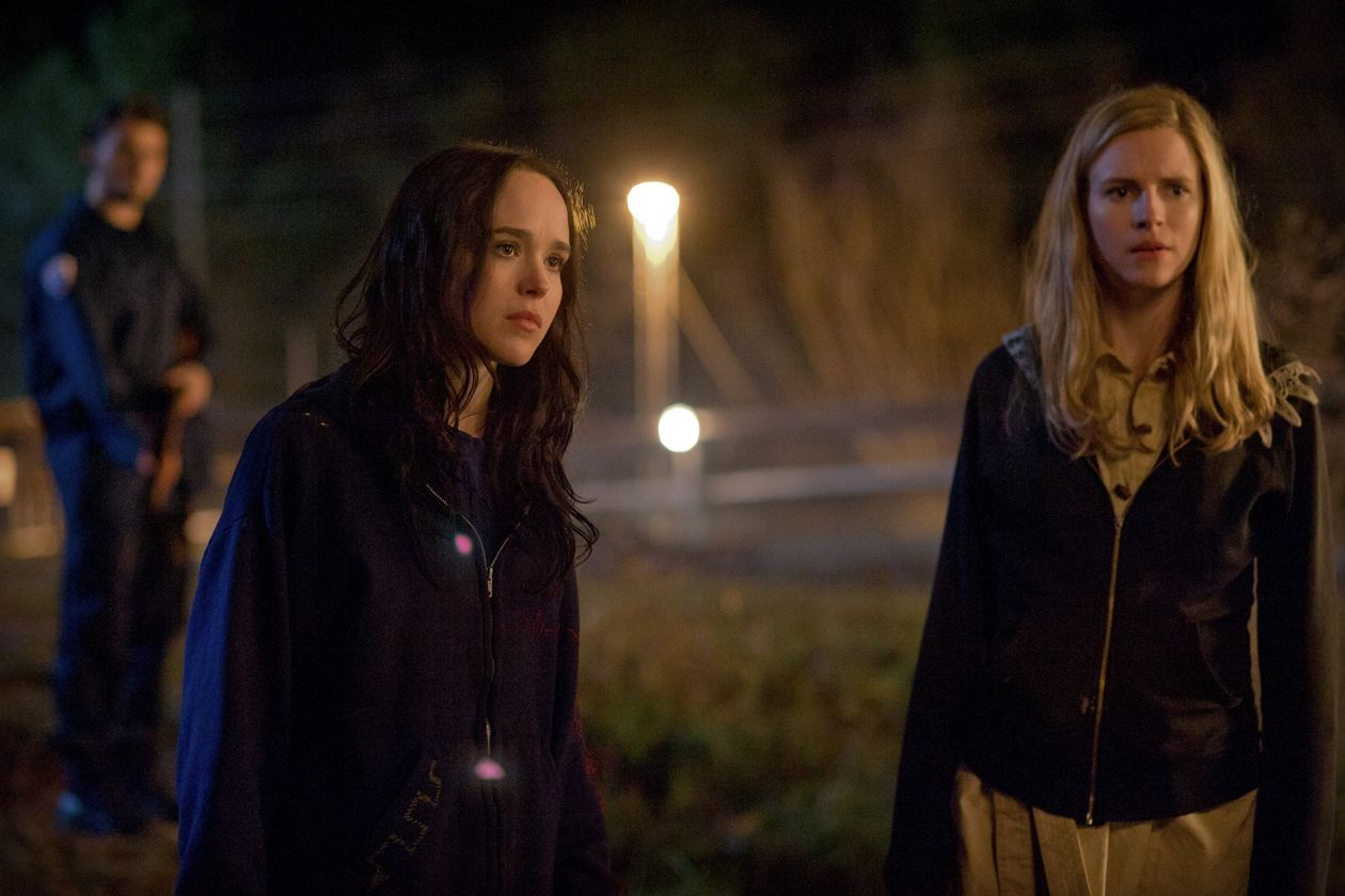 Ellen Page : Izzy / Brit Marling : Sarah Moss / Jane Owen / The East 2013 / Zal Batmanglij / Brit Marling