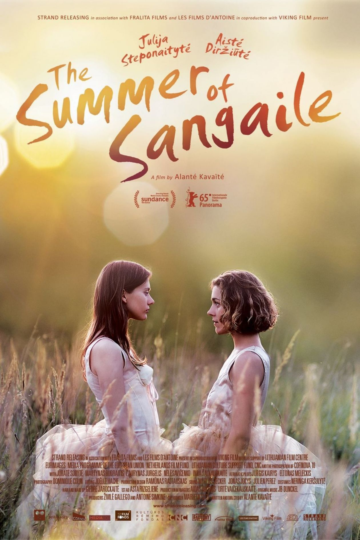Julija Steponaityte / Aiste Dirziute (Aistė Diržiūtė) actresses | The Summer of Sangailé / Alanté Kavaïté 2015 Movie Poster Affiche film