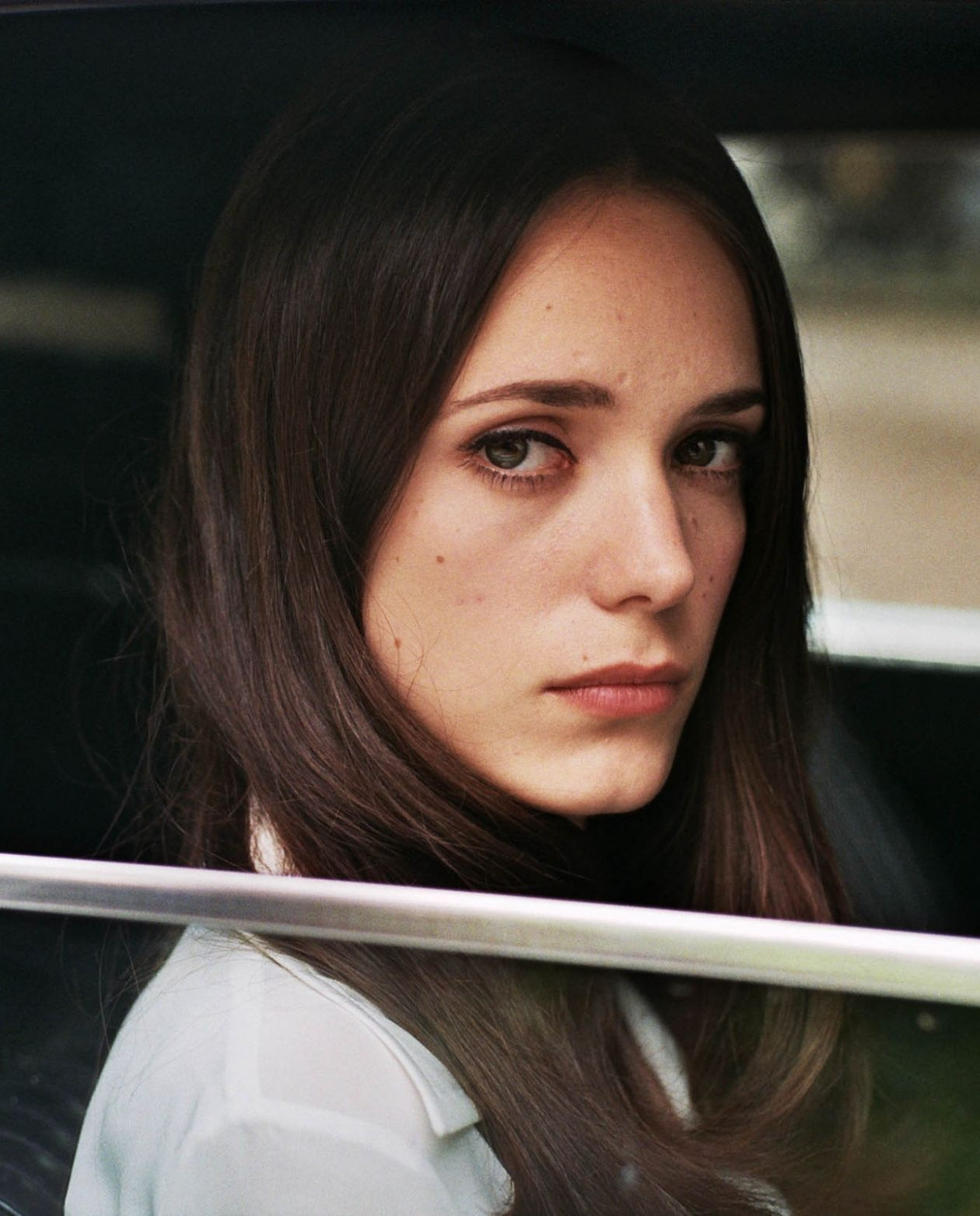 Stacy Martin actress | La dame dans l'auto avec des lunettes et un fusil / The Lady in the Car with Glasses and a Gun / Joann Sfar 2015
