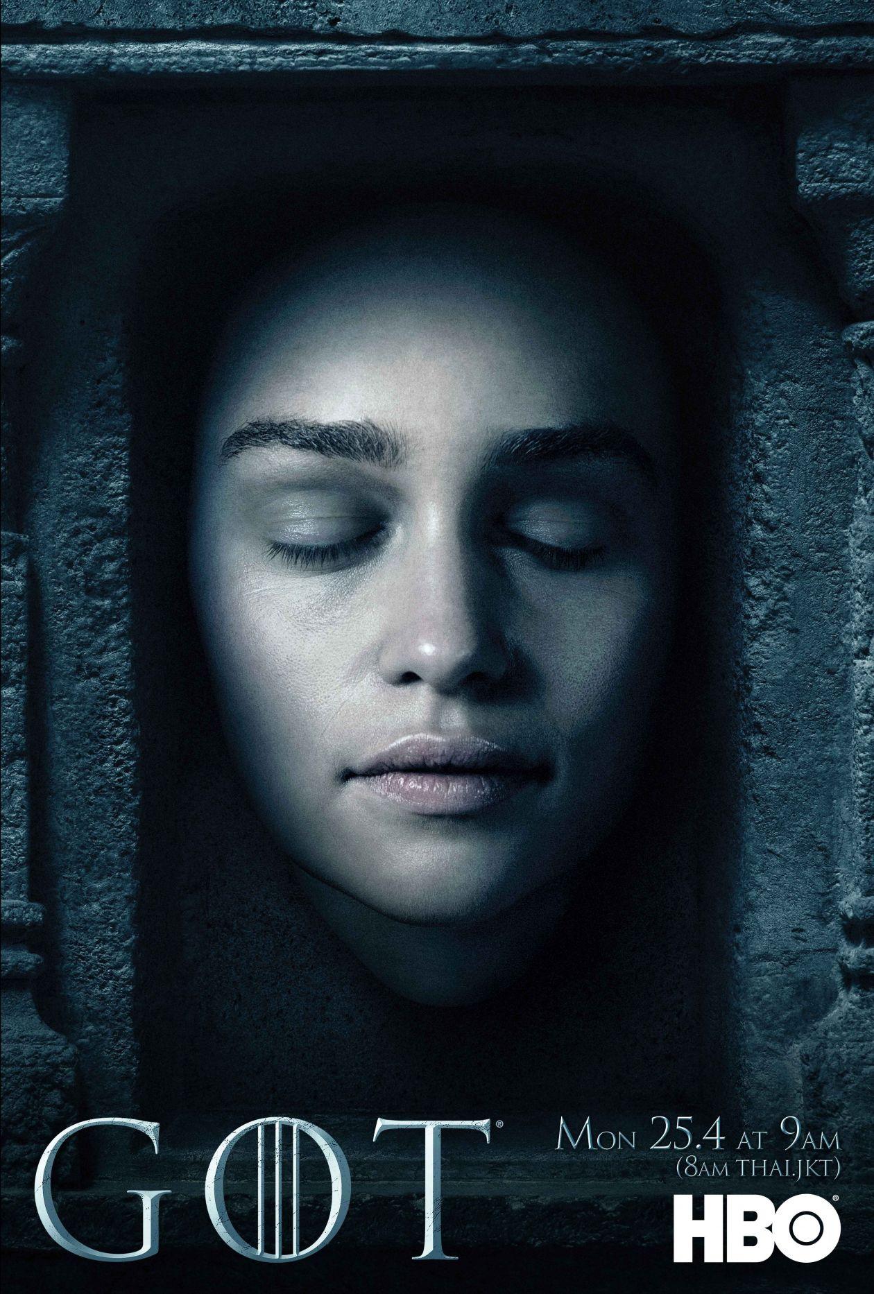 Emilia Clarke actress   Queen Daenerys Targaryen / Game of Thrones / Movie Series Season 6 Poster Affiche série Saison 6 2016