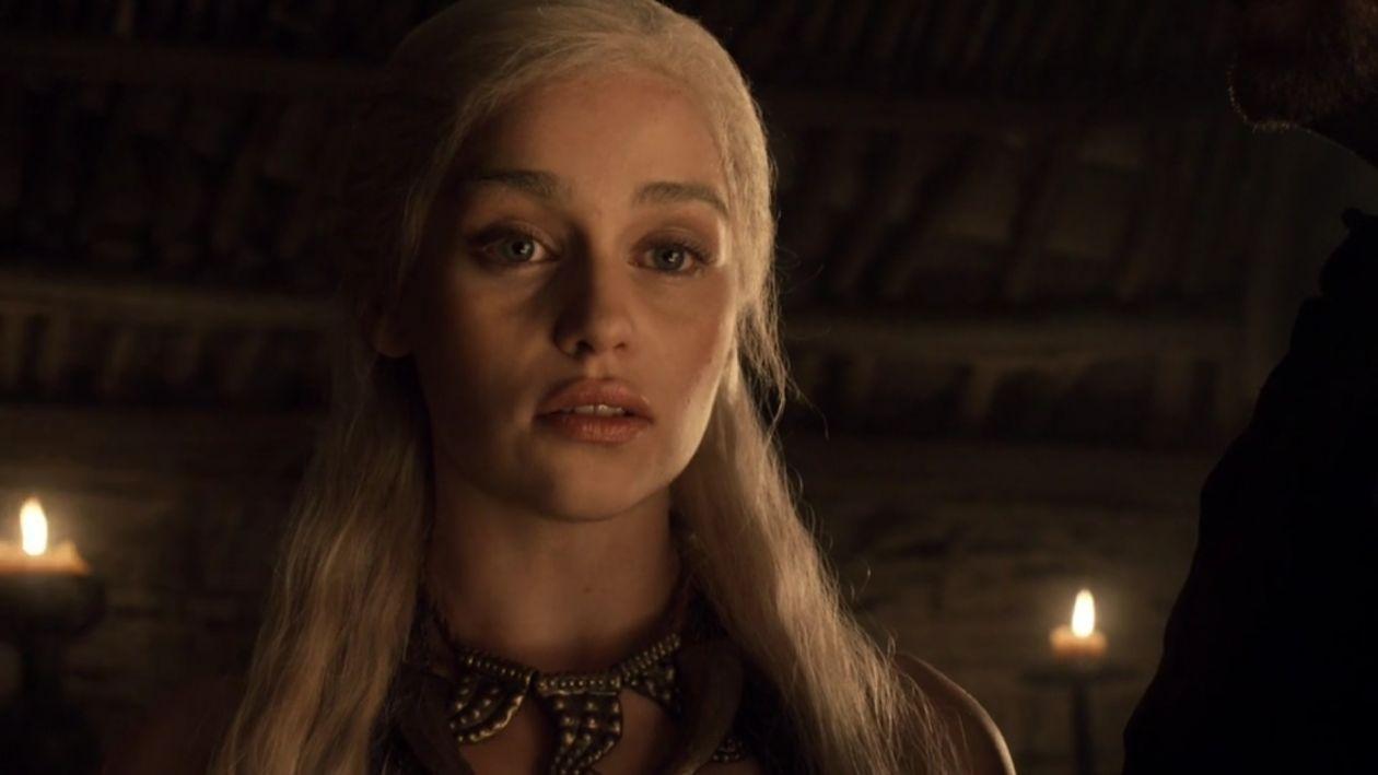 Emilia Clarke actress   Queen Daenerys Targaryen / Game of Thrones SEASON 1 2011