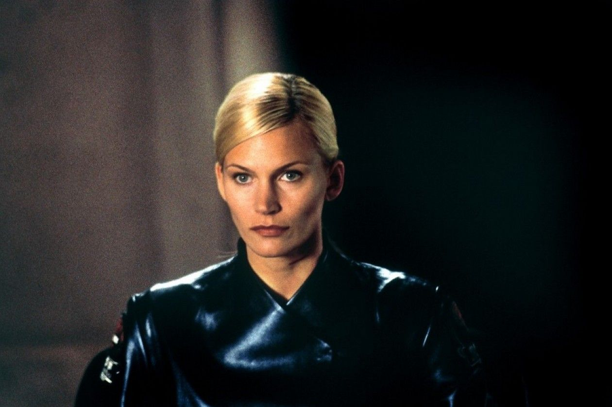 Natasha Henstridge / GHOSTS OF MARS / John Carpenter